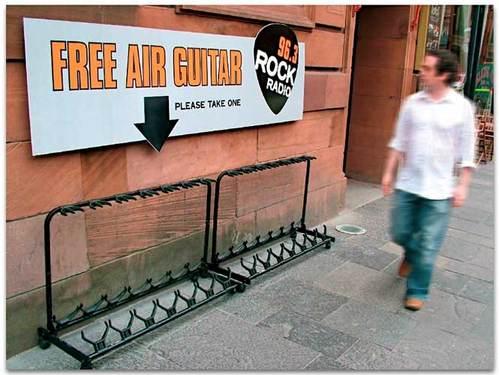 Air_guitar_glasgow